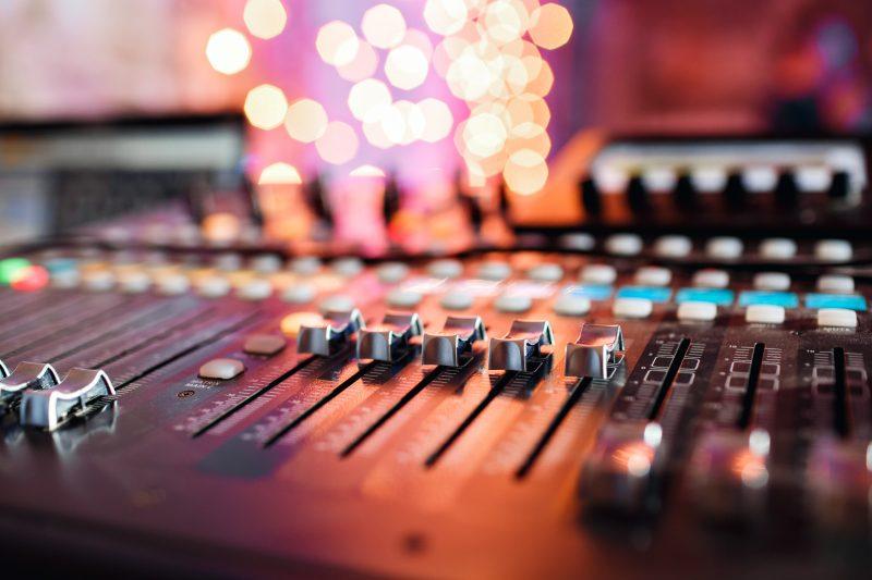 pr-radio-day-studio